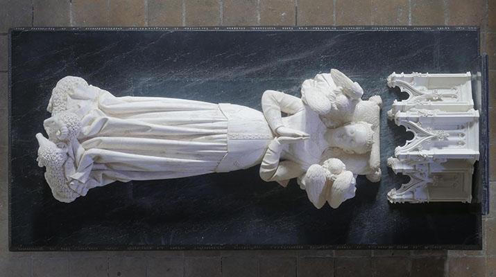 Tombeau d'Agnès Sorel (XVe siècle)