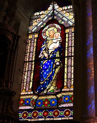 Atelier Lobin, Vitrail de l'église Saint-Ours représentant la Vierge à l'Enfant (1849)