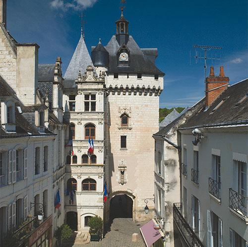 Hôtel de ville et Porte Picois - Loches